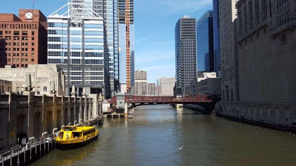 Chicago river skyscrapers